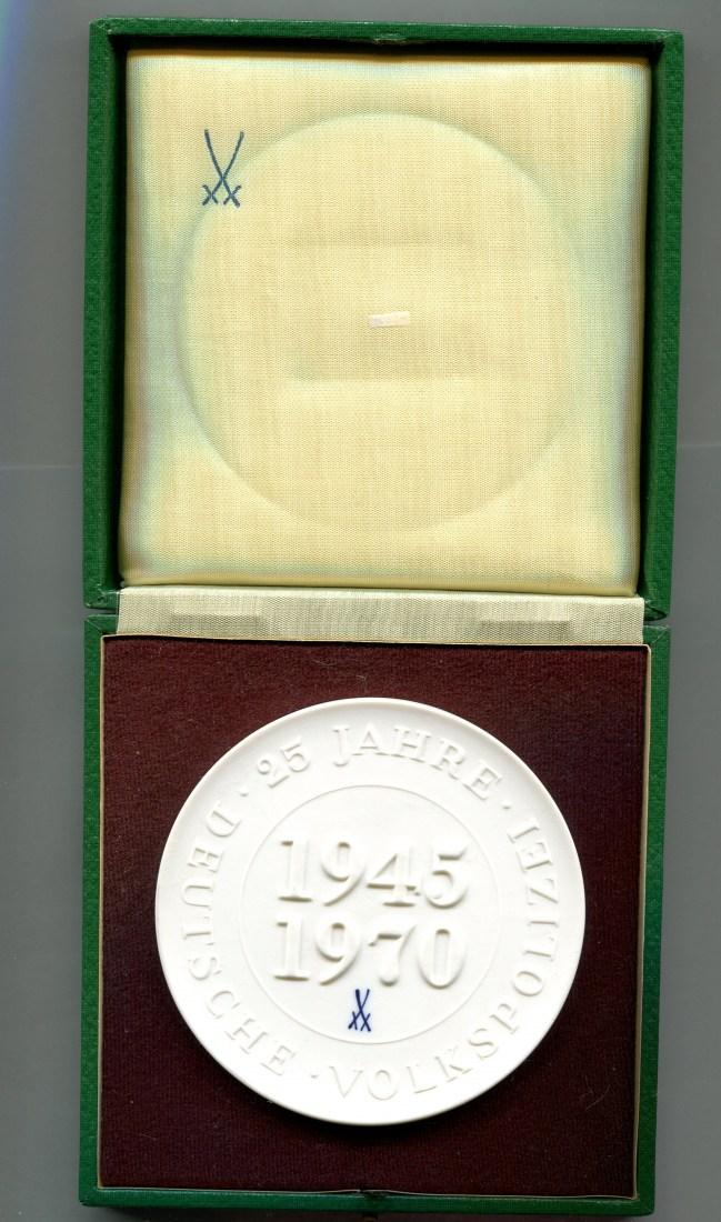 25 Jahre Deutsche Volkspolizei 1945-70, Ddr/berlin, Porzellanmedaille