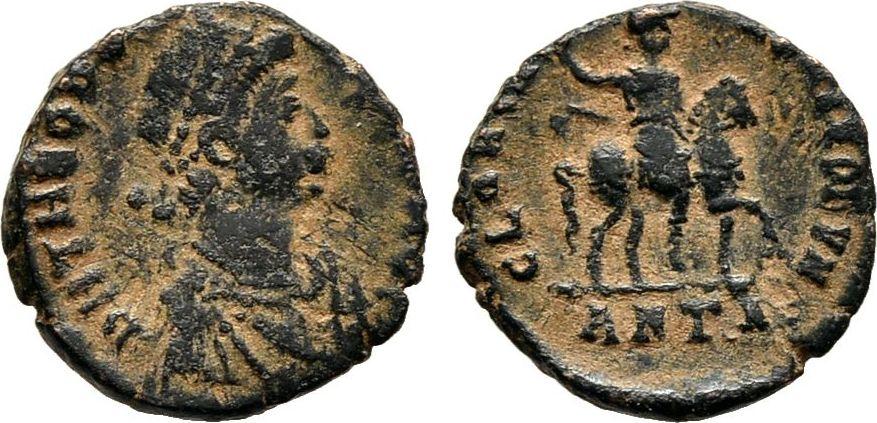 Kleinbronze 392/395 Kaiserliche Prägungen Theodosius I., 379-395. Sehr schön