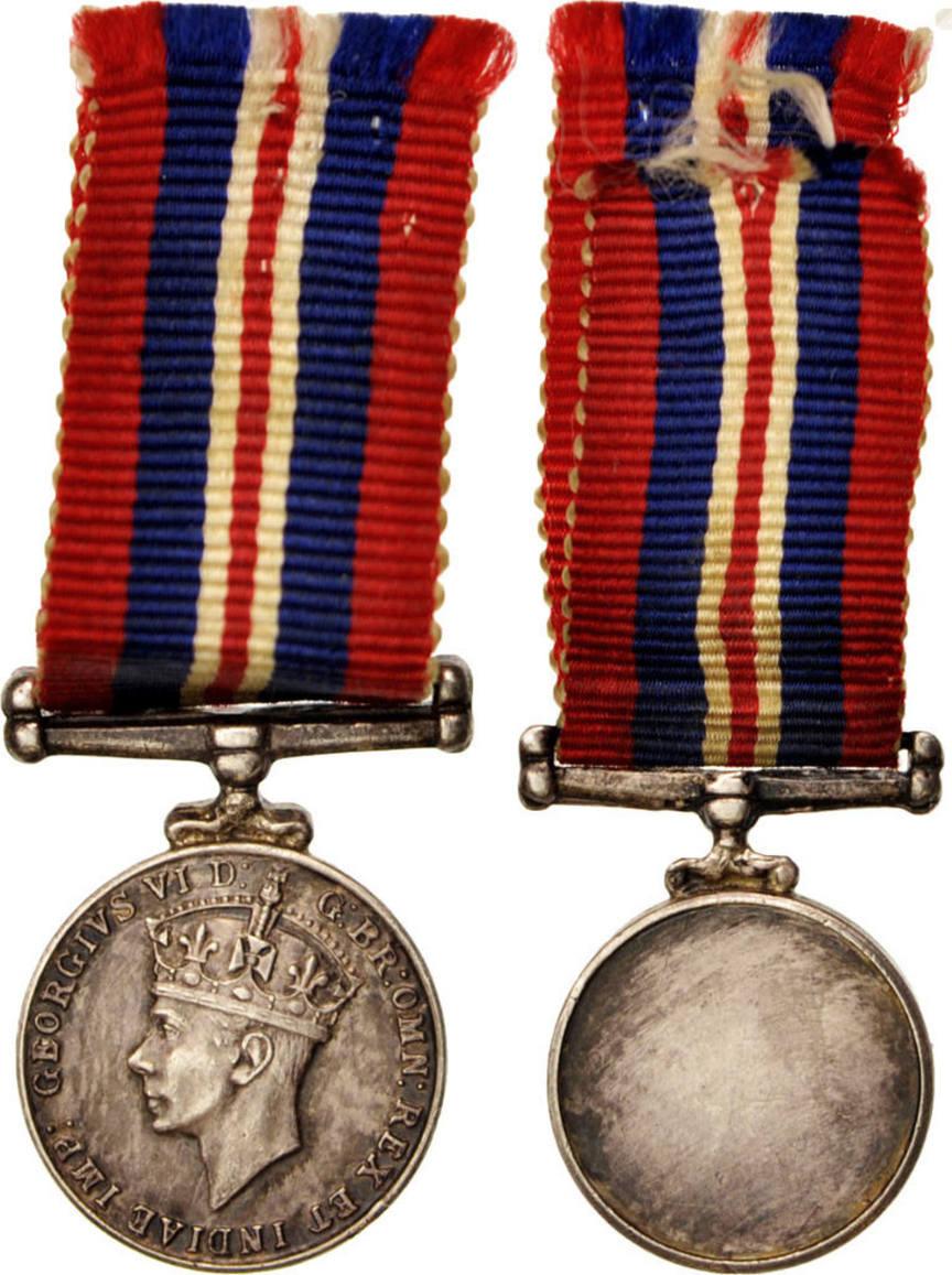 Medal 1945 United Kingdom War Medal, Miniature, Excellent Quality, Silber
