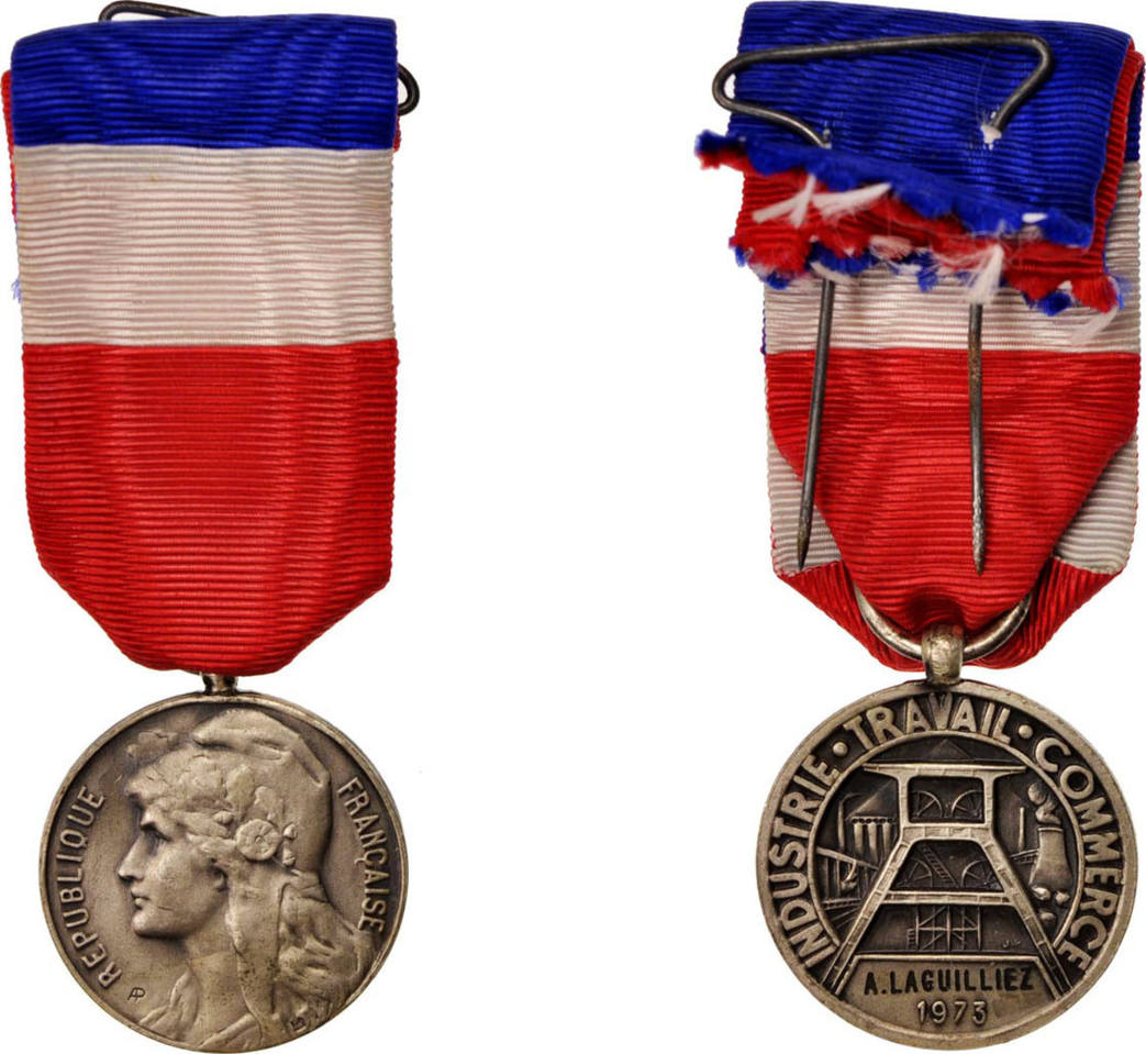 Medal 1973 Frankreich Médaille du Travail, Very Good Quality, Bronze