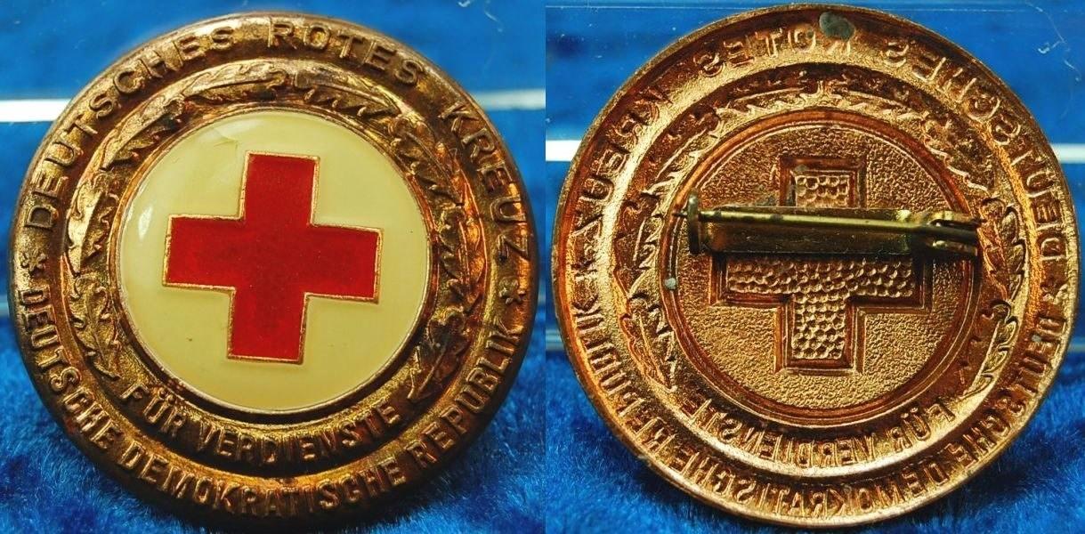 DDR Orden Rot Kreuz Verdienstabzeichen golden 1 Stück c93