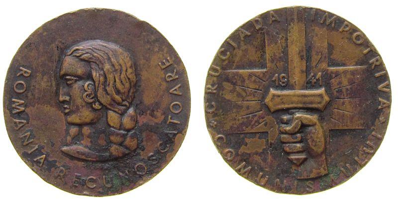 Medaille 1941 Rumänien Bronze Zweiter Weltkrieg - auf den Kreuzzug gegen die Kommunisten, Büste nach links / Hand mit Schwert, ca. 32 MM, Randstöße ss