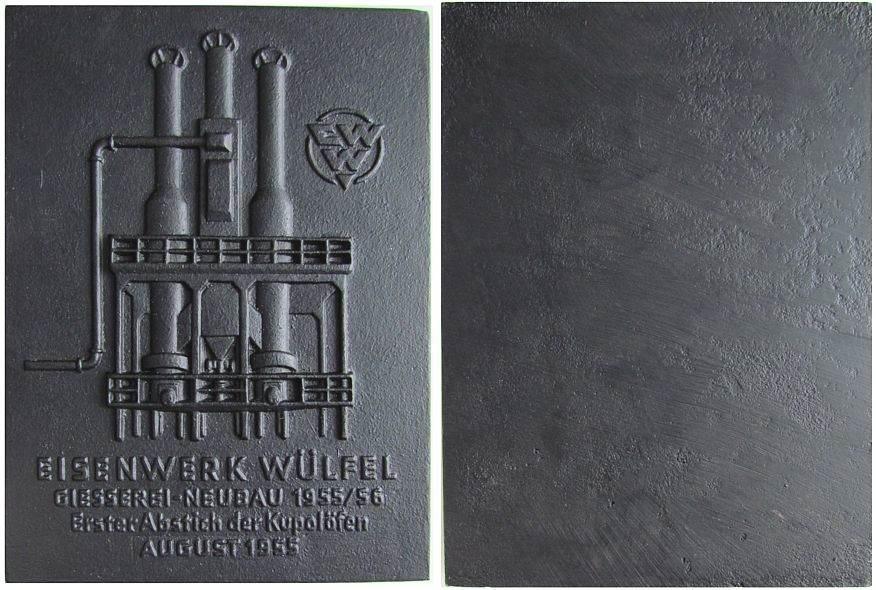 Plakette 1955 Städte Eisen Wülfel Eisenwerk - erster Abstich der Kupolöfen, ca. 118 x 160 MM, Org. Etui (mit leichten Gebrauchspuren) gußfrisch