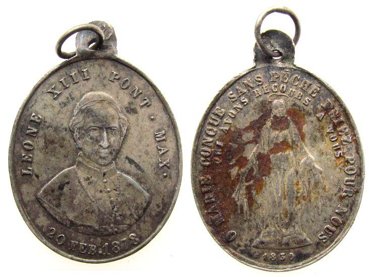 tragbare Medaille 1878 Vatikan Silber Leo XIII (1878-1903) - Heilige Jungfrau Maria, Brustbild von vorn / Heilige Jungfrau Maria über 1830, ca. 19 x 22,5 MM, f ss