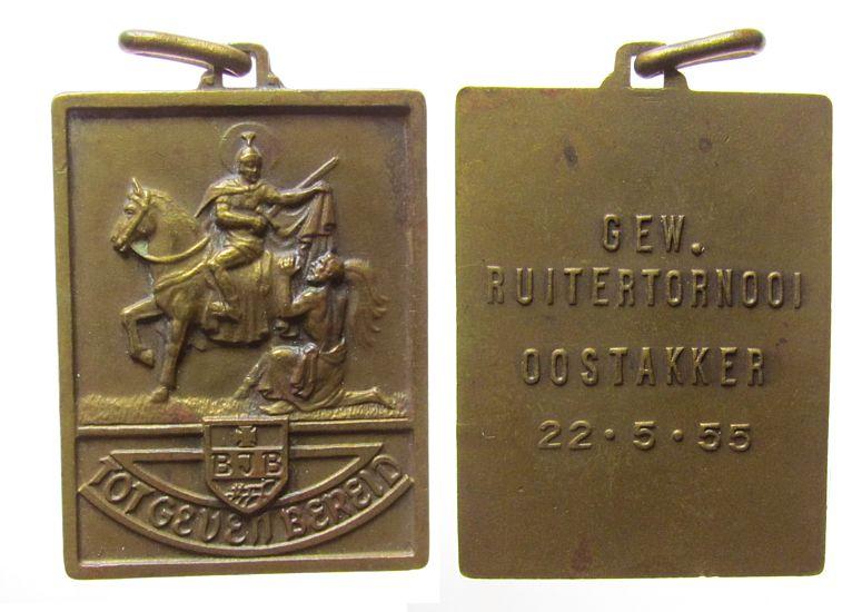 tragbare Plakette 1955 Belgien Bronze Oostakker - auf das Reiturnier, St. Martin zu Pferd teilt seinen Mantel / Mehrzeiler, ca. 31 x 41 MM, kleine Randfehler ss-vz