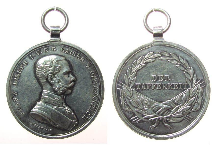 Tapferkeitsmedaille o.J. Franz Josef I (1848-1916) Silber Franz Josef I - für Tapferkeit, v. Tautenhayn, ca. 31,2 MM, ca. 17,74 Gramm, etwas berieben, poliert vz