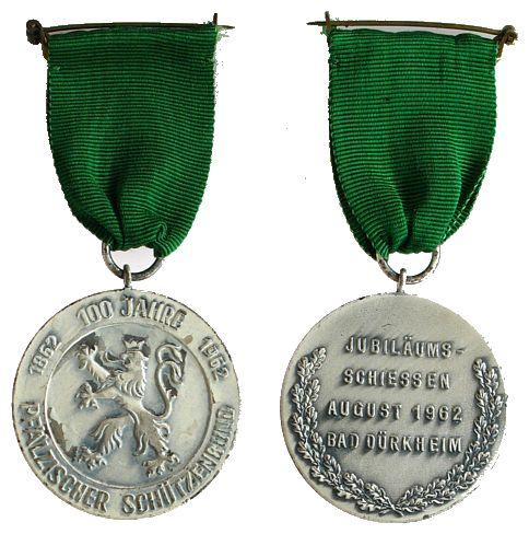 Medaille am Band 1962 Schützen nach 1945 -- Bad Dürkheim - Pfälzischer Schützenbund - 100 Jahre, Jubiläumsschiessen, ca. 39 MM vz