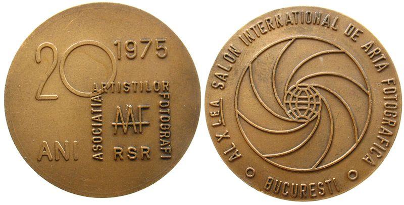 Medaille 1975 Rumänien Bronze Bukarest, auf die 10. internationale Photoausstellung in Bukarest und dem 20.Jahrestag der AAF, mattiert, 493,9 MM vz