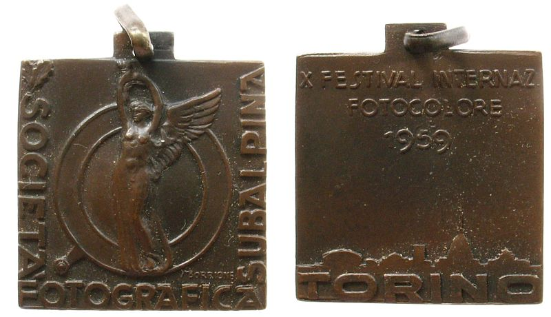 tragbare Plakette 1959 Italien Bronze Torino (Turin) Photoausstellung, auf das X. Festival Internaz. Fotocolore in Torino, v. M. Borrione, 26,8 x 27 MM vz
