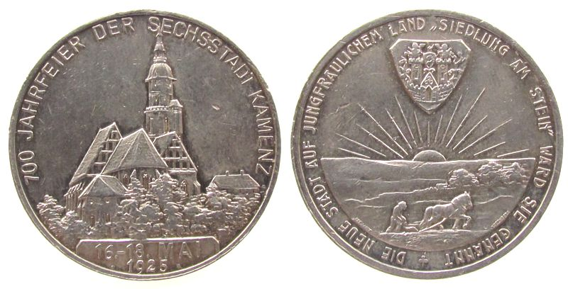 Medaille 1925 Städte Silber Kamenz - Stadt - Sachsen, auf die 700 Jahrfeier, Kirche / Bauer beim Pflügen unter Stadtwappen und aufgehender Sonne, v. ss
