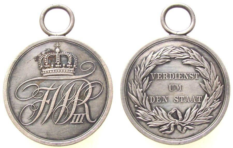 tragbare Verdienstmedaille o.J. (1810) vor 1914 Silber Friedrich Wilhelm III. (1797-1840), Gekröntes Monogramm FWR III. / Lorbeerkranz - Schrift, ca. 39,3 MM, ca. 22.74 Gramm, ss-vz