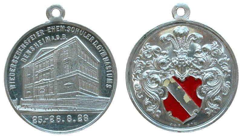 tragbare Medaille 1928 Städte Aluminium Bensheim - Hessen, auf die Wiedersehensfeier ehemaliger Schüler des Gymnasiums, Signatur: J.u.T., ca. 33,5 MM, Farbe i vz