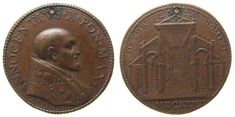 Medaille 1647 Vatikan Bronze Innozenz X (1644-1655) - auf die Lateranbasilika, AN III, Brustbild nach rechts / Innenansicht der Basilika, Signatur: G ss