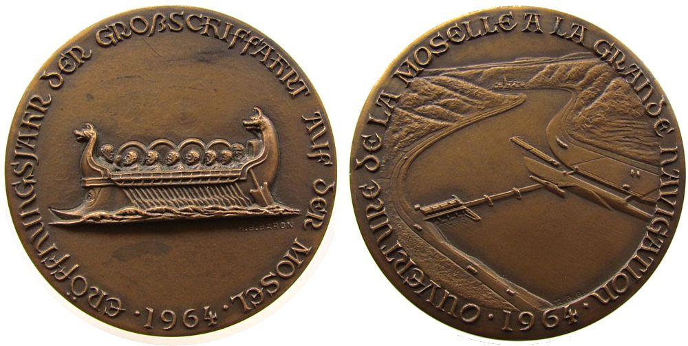 Medaille 1964 Gelegenheitsmedaillen Bronzeguß Mosel - Eröffnungsjahr der Großschiffahrt, römische Galeere / Staustufe, v. R.B. Baron, ca. 67,5 MM vz