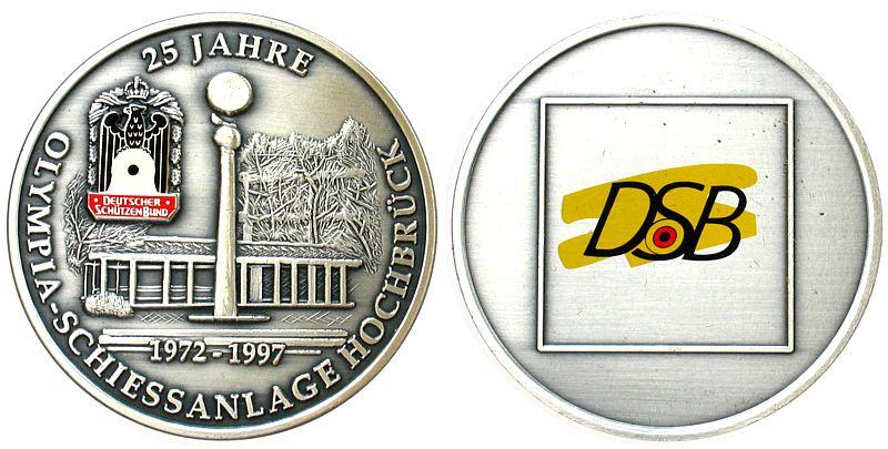 Medaille 1997 Schützen nach 1945 -- Hochbrück - 25 Jahre Olympia Schiessanlage, ca. 60 MM vz-stgl