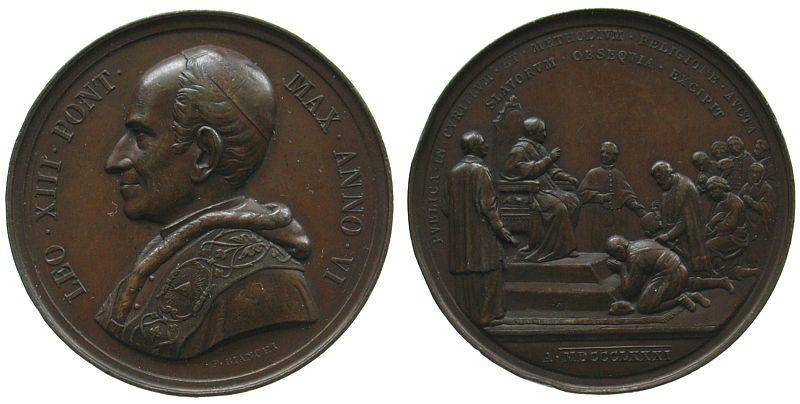Medaille o.J. Vatikan Bronze Leo XIII (1878-1903), ANNO VI (1883/84), auf die Aufnahme des Kyrillos- und Methodiosfestes in den katholischen Festkalen vz