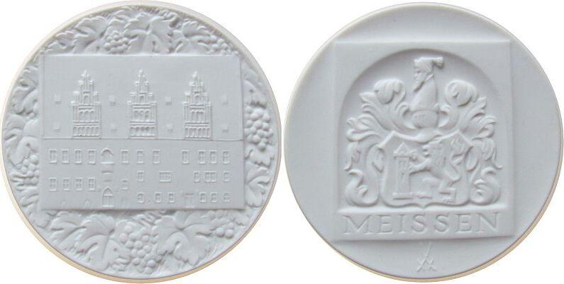 Medaille o.J. Porzellan Porzellan weiß Meißen - Rathaus, ca. 64,5 MM prägefrisch
