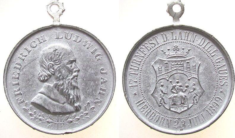tragbare Medaille 1899 Sport Zinn Herborn - 17. Turnfest des Lahn-Dill Gaues, Büste nach links / Wappen und Umschrift, ca. 33,4 MM, Randfehler ss-vz