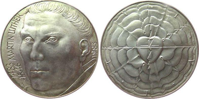 Medaille 1983 Reformation / Religion Silber Luther Martin (1483-1546), auf seinen 500. Geburtstag, Büste nach links / Lutherrose, signiert RH (Reinhard Heinsdorff), vz
