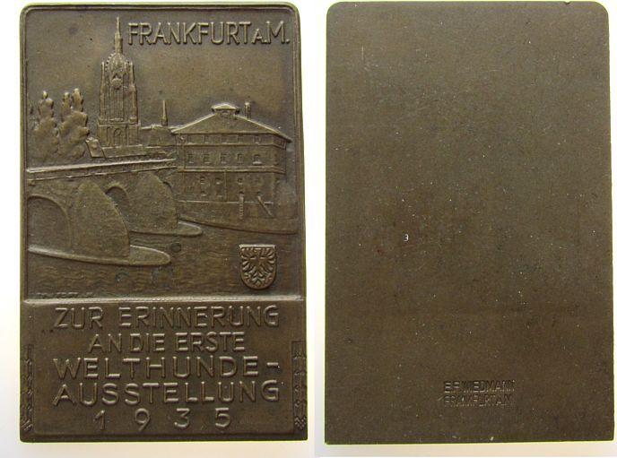 Plakette 1935 Tiere Bronze Frankfurt - Hundeausstellung, zur Erinnerung an die erste Welthundeausstellung 1935, einseitig, v. Wiedemann, ca. 42 x 65 vz