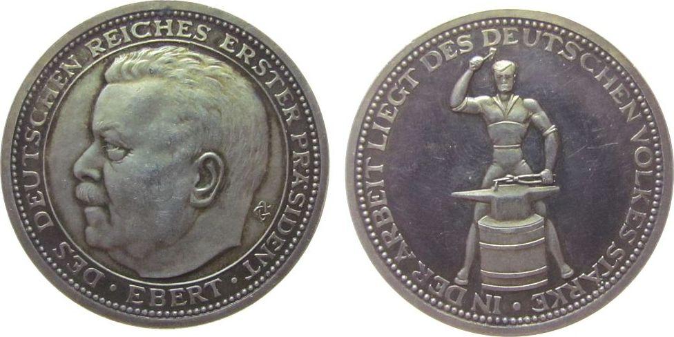Medaille o.J. (1925) Personen Silber Ebert Friedrich (1871-1925), Reichspräsident, auf seinen Tod, Büste nach links / Schmied mit Amboß, v. O. Glöckler, ca. 3 vz