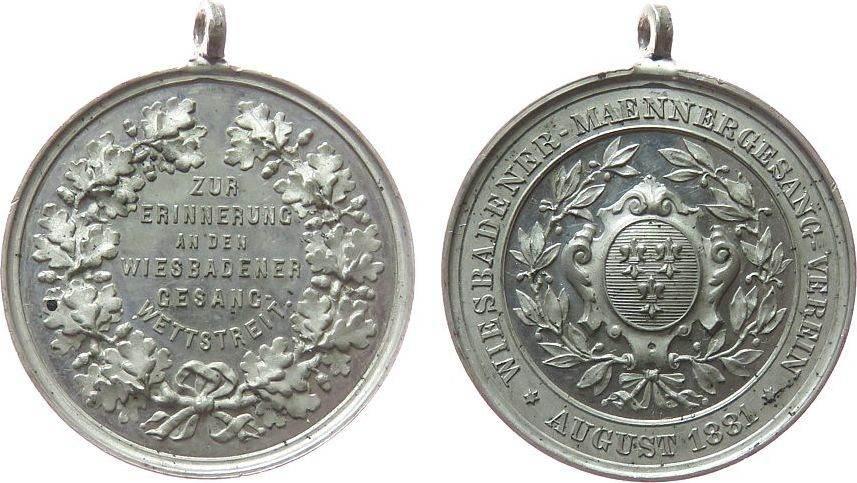 tragbare Medaille 1881 Musik Zinn Wiesbaden - zur Erinnerung an den Gesang-Wettstreit, Wappen / Umschrift, ca. 35,2 MM vz