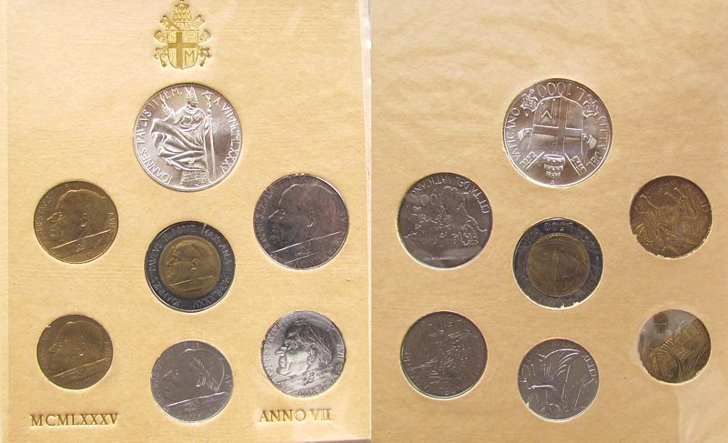 1880 Lire 1985 Vatikan div. Johannes Paul II, Kursmünzensatz, Original Blister mit leichten Gebrauchsspuren unz