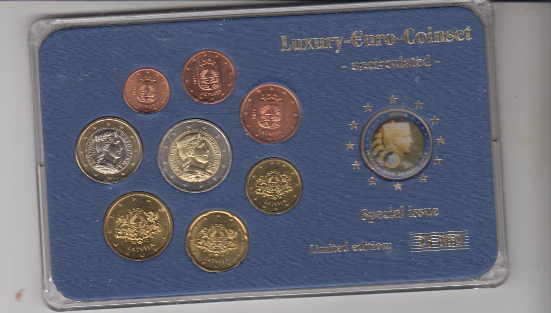5,88 Euro ( 2x 2 EUR eine davon bunt) 2011 Lettland - Latvia - Latvija Kurssatz mit allen Münzen 1 Cent - 2 EUR im Luxus-Etui Hartlplaste mit Farbmz. unzirkuliert Folder