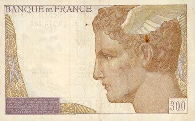 6.10.1938 BANKNOTEN DER BANQUE DE FRANCE Banque de France. Billet. 300 francs (6.10.1938) Petite tache de rouille, ss+