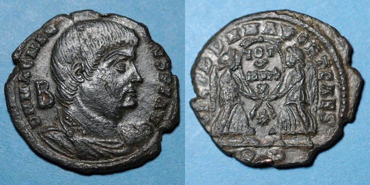 351-352 n. Chr. RÖMISCHE KAISERZEIT Magnence (350-353). Maiorina. Rome, 1ère officine, 351-352. R/: deux Victoires tenant une couronne Petite éraflure / joue et coup / tranche sinon ss