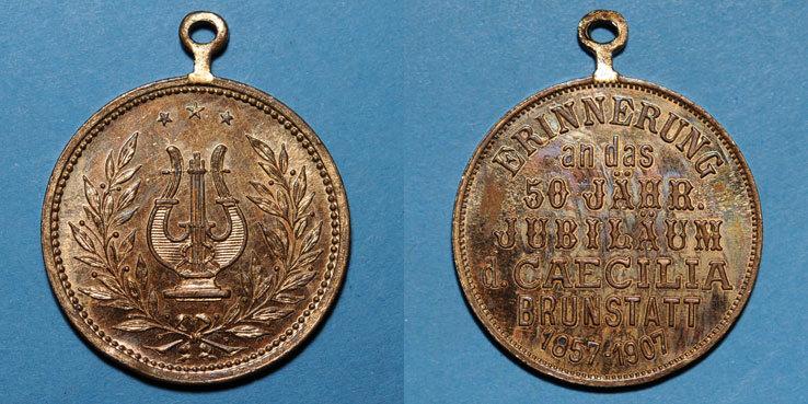 1907 ELSAß Alsace. Brunstatt. 50e anniversaire de la chorale Caecilia. 1907. Médaille bronze doré. Avec oeillet Petit coup sur la tranche sinon vz