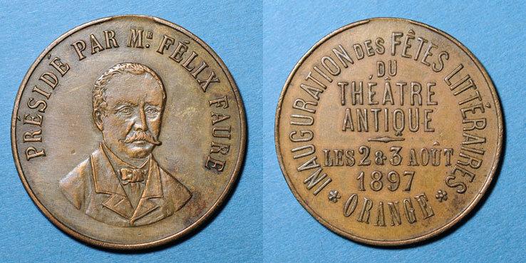 1897 MEDAILLEN Orange. Inauguration des fêts littéraires du théâtre antique. 1897. Médaille en cuivre ss+