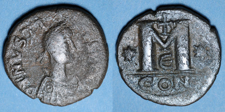 518-527 n. Chr. BYZANZ Empire byzantin. Justin I (518-527). Follis. Constantinople, 5e officine, 518-527 s / ss