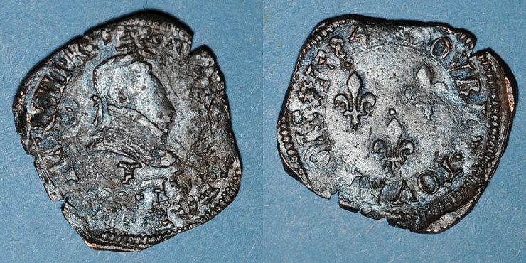 1584 T FRANZÖSISCHE KÖNIGLICHE MÜNZEN Henri III (1574-1589). Double tournois 1584T (point 5e). Nantes Curieuse double frappe. Rare pour cet atelier avec cette date. s