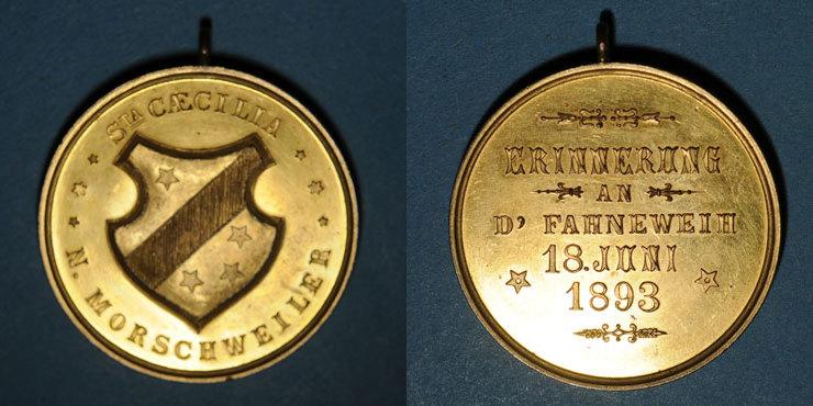 1893 ELSAß Alsace. Morschwiller le Bas. Chorale Ste Caecilia Consécration drapeau. 1893. Médaille bronze doré unz-