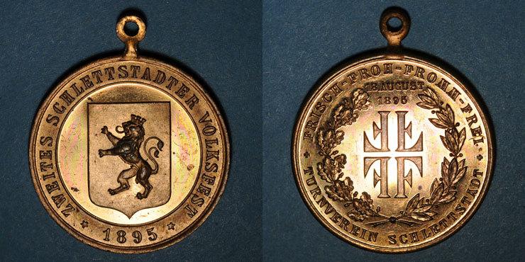 1895 ELSAß Alsace. Sélestat. 2e fête populaire. 1895. Médaille bronze doré, avec son oeillet. 33,30 mm vz