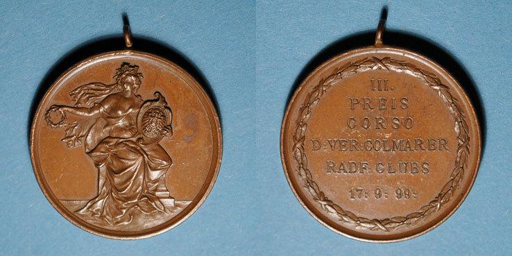 1899 ELSAß Colmar. Corso. Compétition cycliste des clubs vélocipédiques colmariens. 1899. Médaille cuivre R ! R ! Trace d'un numéro à l'encre à l'avers sinon vz / ss-vz