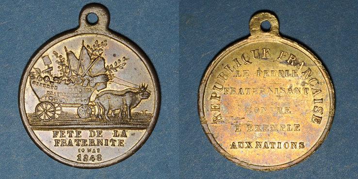 1848 REVOLUTIONÄRE URKUNDEN und KRIEG VON 1870 Révolution de 1848. 14 mai - Fête du Champ de Mars. Médaille cuivre. 26,28 mm Petite paille au revers, vz / ss+