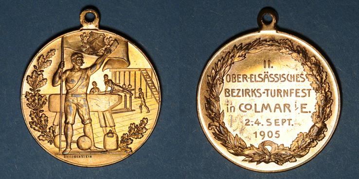 1905 ELSAß Alsace. Colmar. 2e tournoi de gymnastique du Haut-Rhin. 1905. Médaille bronze doré Quelques petites égratignures superficielles au revers sinon vz+ / vz