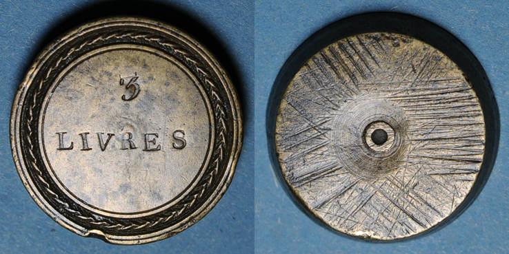 1715-1774 GEWICHTE Louis XV (1715-1774) et Louis XVI (1774-1793). Poids monétaire du demi-écu aux lauriers R ! Deux petits coupe / listel sinon ss