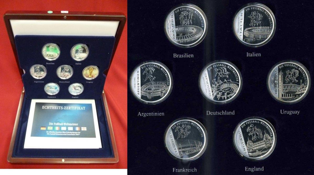 10 Stück Medaillen  METALL NEUWARE Champion Pokale & Preise